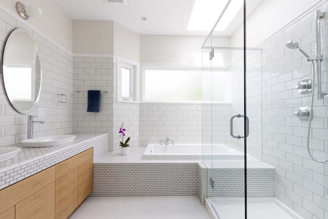 Bathroom Design Ideas And Tips: Five Tips On Making Your Small Bathroom Look Bigger
