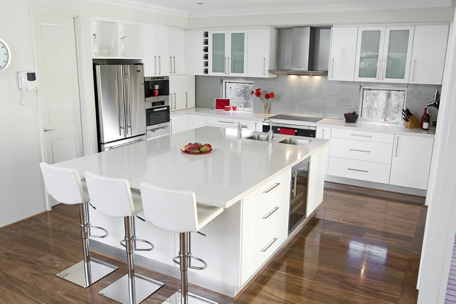 20 beautiful white kitchen designs for Kitchen design ideas photo gallery